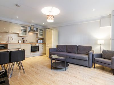 Photo for CORONA FREE - Modern 3-Bed, 2.5 Bath House near Clapham for 6 people