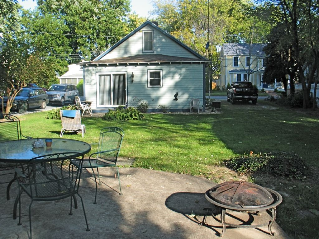 St michael 39 s premier in town summer vacation cottage for Vacation cottage