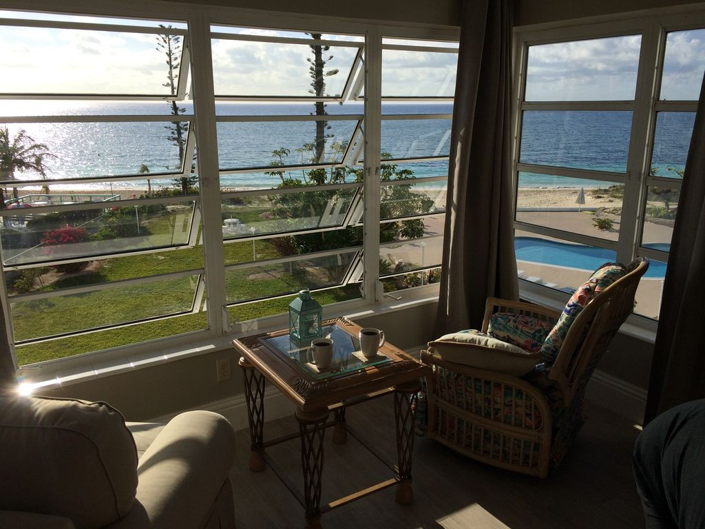AFFORDABLE OCEANFRONT, 2 BR, AC, WiFi, 3rd... - VRBO