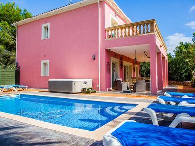 Photo for Casa Rosada - Family Villa With Private Pool & WiFi Just 200m From The Beach