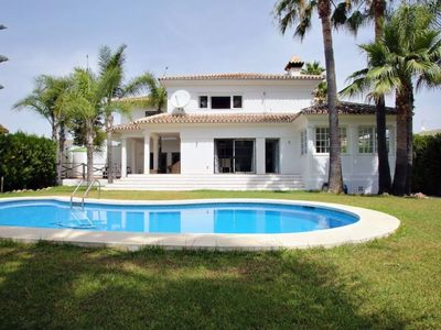 Photo for BEACH VILLA & PRIVATE POOL, 5 min PUERTO BANÚS