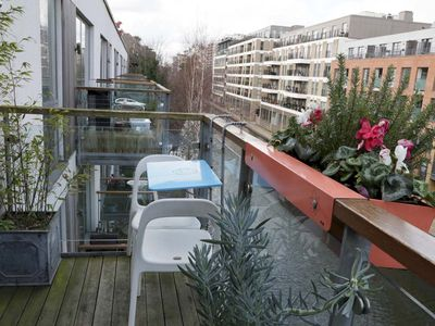 Photo for Amazing 3 BR on Hoxton - Three Bedroom Apartment, Sleeps 6