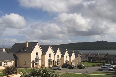 Miraculous Dingle Marina Cottages Dingle Co Kerry 3 Bed Sleeps 5 Download Free Architecture Designs Xaembritishbridgeorg