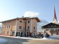 A very pleasant apartment, well located a few steps to the ski bus allowed to le ...