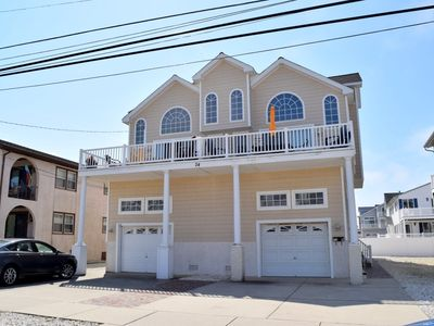 Photo for 24 63rd St. East, FIVE BEDROOM, SLEEPS 14