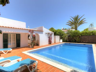 Photo for Villa in Carvoeiro with 2 bedrooms and capacity for 4 people