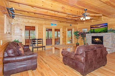 Caney Creek Lodge - Living Room with Fireplace