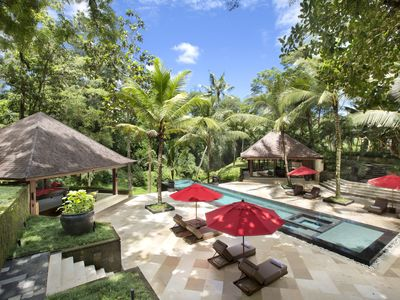 Photo for Villa The Sanctuary Bali : 10 bedrooms, 27 professional staff, amazing views