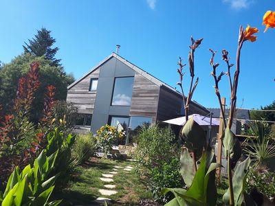 Photo for Designer house with hot tub, large garden, 10mins from Morgat beach!