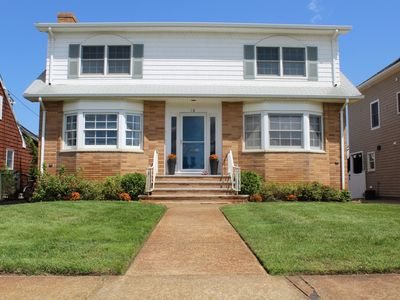 Photo for Stunner On The Shore! Steps From The Beach, Perfect For Families!