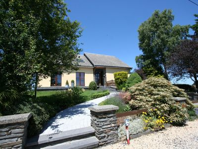 Photo for Pretty cottage in a green, quiet setting near the centre of Bastogne