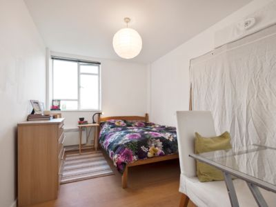 Photo for London Calling - Cosy one bedroom flat, King's X