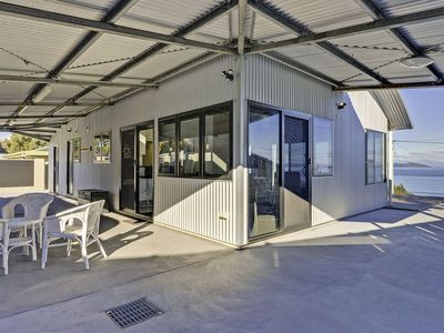 Photo for Park Beach Retreat - Ideal for Couples