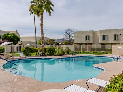 Photo for Renovated Old Town Condo! 2 Pools, Spa and BBQ! Walk to Old Town!