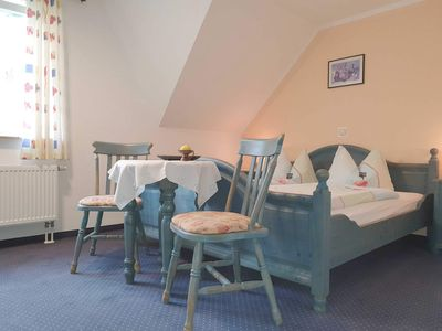 Photo for Double room 06: 21 m², 1-room, 2 pers., Garden, WL - Pension Edelstein in Ostseebad Sellin