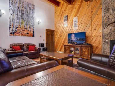 P206 by Mountain Resorts: NEW LISTING ~ Walk to Mtn activities + Pool & Hot Tub onsite