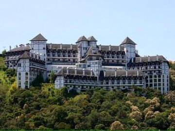 WONDERFUL CASTLE IN THE MOUNTAIN - HIGH OF THE CAPIVARI - NOBLE AREA