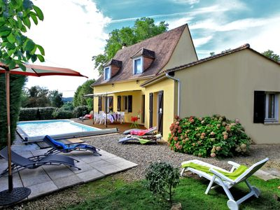 Photo for SARLAT 10 minutes walk from the medieval city-Private pool, quiet