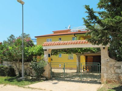 Photo for Apartment Sandra (PUL412) in Pula - 5 persons, 1 bedrooms