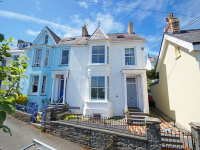 Photo for Just a stone's throw from an award winning beach, New Quay