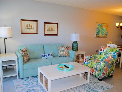 Photo for Large Top Floor Villa, 2BD/2BA, Close to beach & Coligny, Indoor & Outdoor Pools