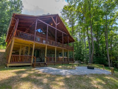Photo for Stunning 3 level lodge with close proximity to Cantwell Cliffs!