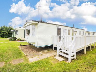 Photo for 3BR Mobile Home Vacation Rental in Hunstanton, Norfolk