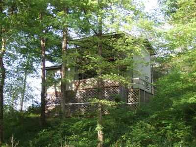Romantic Ouachita Rose Cabin with a Hot Tub in the Ouachita Mountains, Arkansas