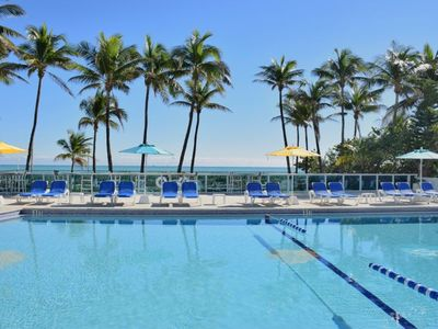 Photo for ON THE BEACH! HUGE CORNER 3BR/2BA APT FOR 8 GUESTS, VIEWS OF DOWNTOWN AND BAY