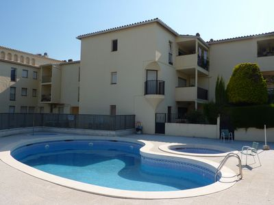 Photo for Quiet apartment with large terrace and pool - Turismar