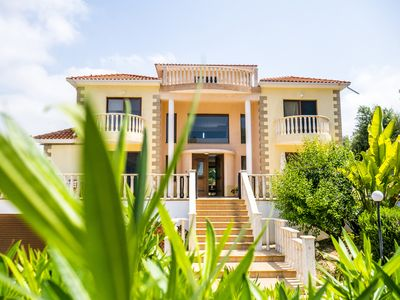 Photo for Villa LP is a luxurious villa located in beautiful Coral Bay