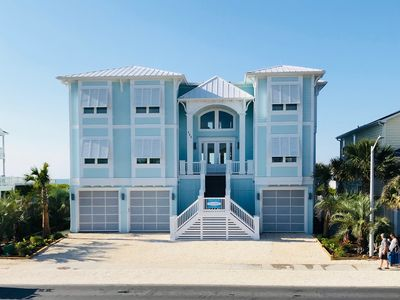 Photo for Oceanfront 12 bdrms/13 bthrms Pool Elevator Wedding-Friendly