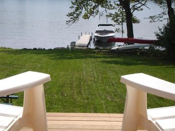 Wolfeboro Village Waterfront Cottage with paddle board & 5 kayaks & campfire!