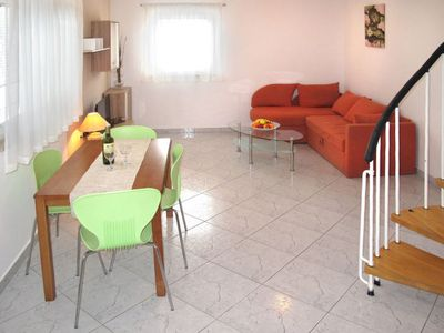 Photo for 2 bedroom Villa, sleeps 4 in Poreč with Air Con and WiFi