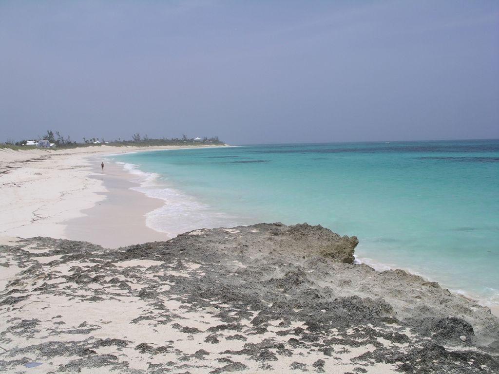House rentals green turtle cay - Long Bay Beach Directly Across The Street