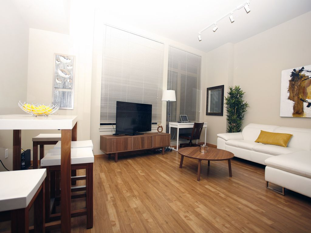 8th Ave Condos Modern 2 Two Bedroom Apartment Sleeps 5 Seattle Seattle Metro Area Best Places