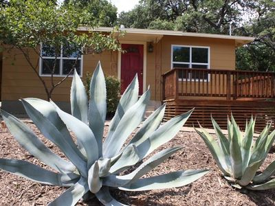 Photo for Sweet & comfortable 2/1 Bouldin home.Walk to food trailers,Zilker/Barton Springs