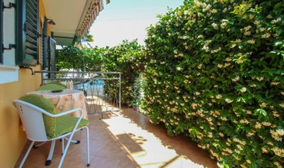 Photo for Studio apartment Alma with nice terrace, just 100 m to the sea
