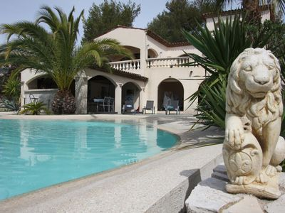 Photo for Aspremont Villa: luxurious 4 bedrooms villa, swimming pool, 20 min away from the beach