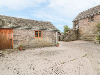 Photo for THE COW COTT, pet friendly, with a garden in Hereford, Ref 987898