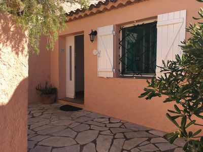 Photo for House in Cavalaire sur Mer in beautiful resort with large pool, tennis court