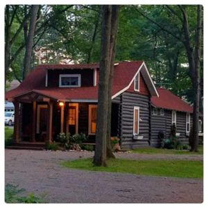 Photo for Beautiful Log Cabin in Houghton Lake sleeps 6 people