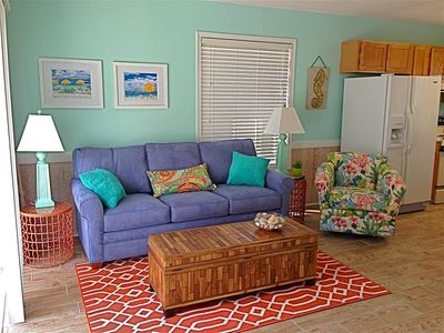 Photo for Beautiful Condo with Easy Walk to Beach/Pool -Sleeps 4
