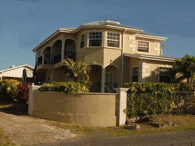 Oceanview property- 5 minutes to the beach