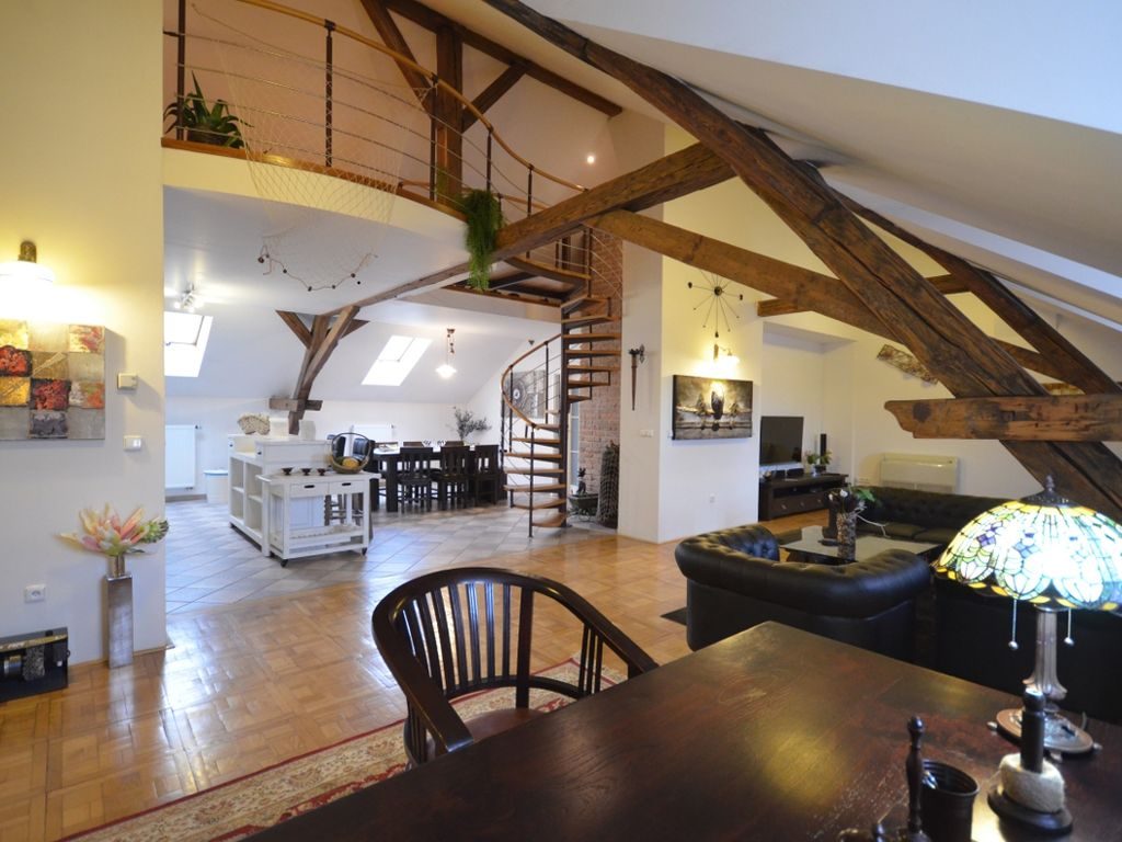 Attic Hastalska - Place de la Vielle Ville - Grand Luxury Apartments