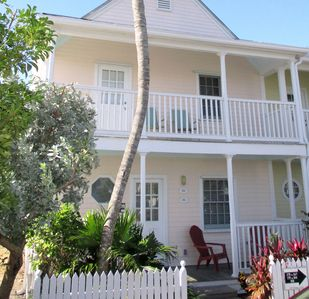 Heart of Old Town, Truman Anx PRIVATE END UNIT 2BR king/twin/queen,  Pool Grd FL