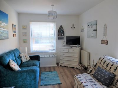Photo for Beautiful, Dog Friendly Ground Floor Apartment With Shared Pool At The Bay
