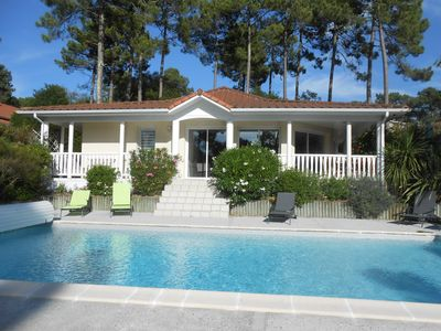 Photo for 3 bedroom villa, private heated pool, wifi, residential area