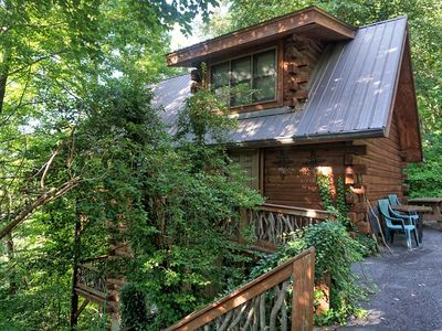 Photo for Ivy Cabin: 3 BR / 2 BA cabin in Bryson City, Sleeps 8