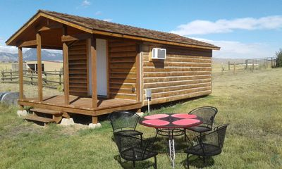 Cozy Cabin At The Foot Of Big Horn Mountains, Wonderful View, Horse Lodging